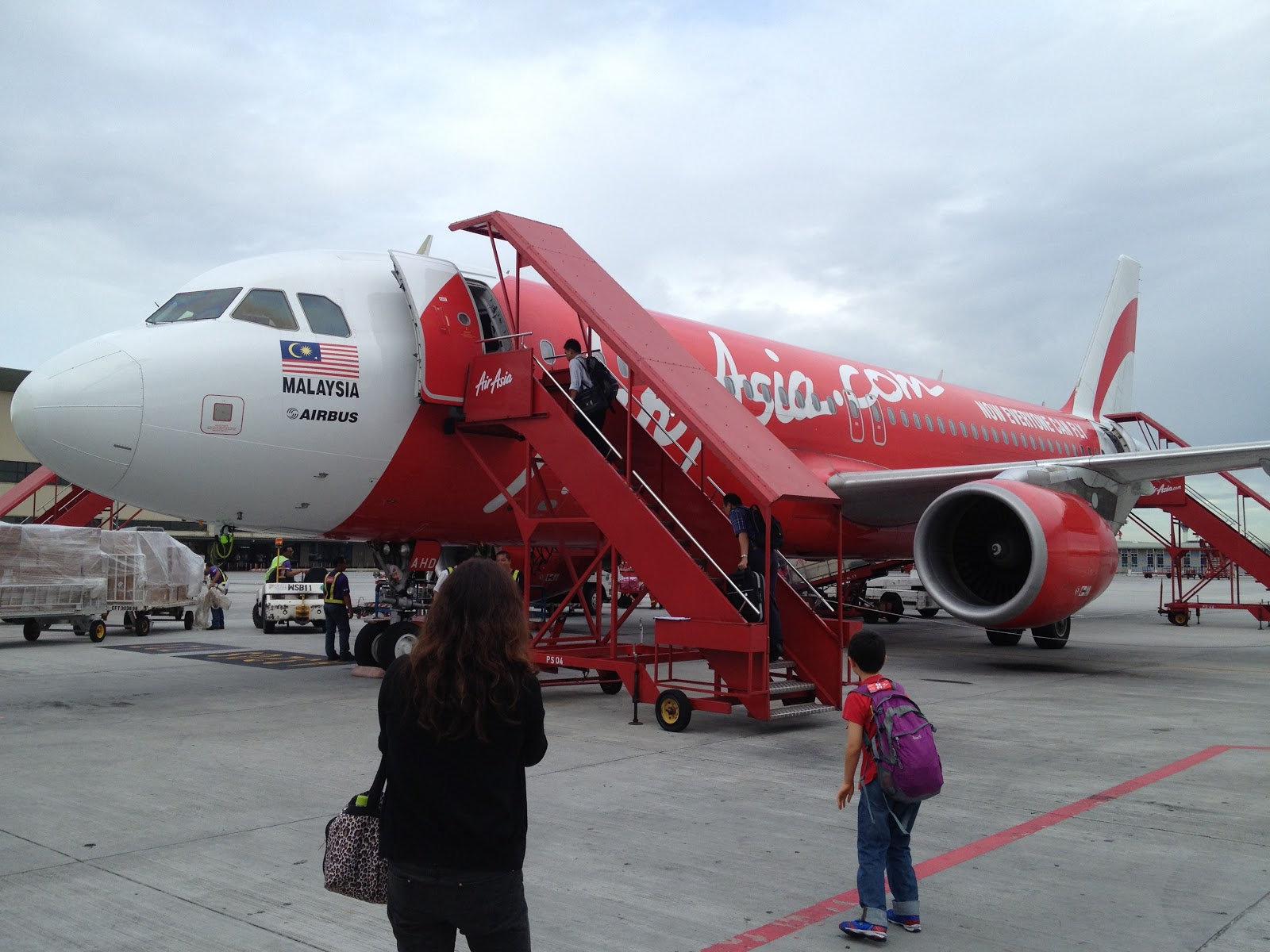 the background of air asia malaysia Airasia is a pioneering airline and has grown into one of the largest low cost  airlines in asia  history airasia was founded in 1993, but didn't commence   under the airasia brand in addition to the parent malaysian airline.