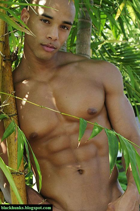 messaggi gay uomini nudi muscolosi