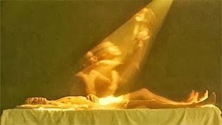 ロシアの科学者が撮影に成功した体外離脱の瞬間です。