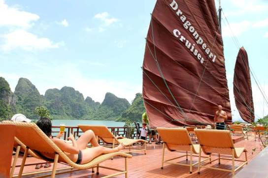 Sundeck - Dragon Pearl Cruise