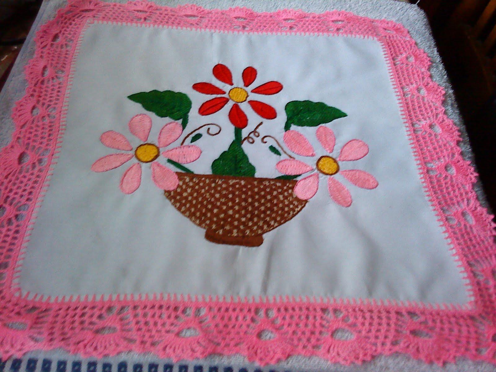 canasta de flores con diferentes puntadas de bordado fantasia y ...