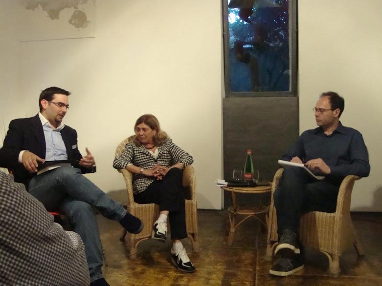 Da sinistra, il Prof. Romano, la Prof.ssa Nava e l'autore