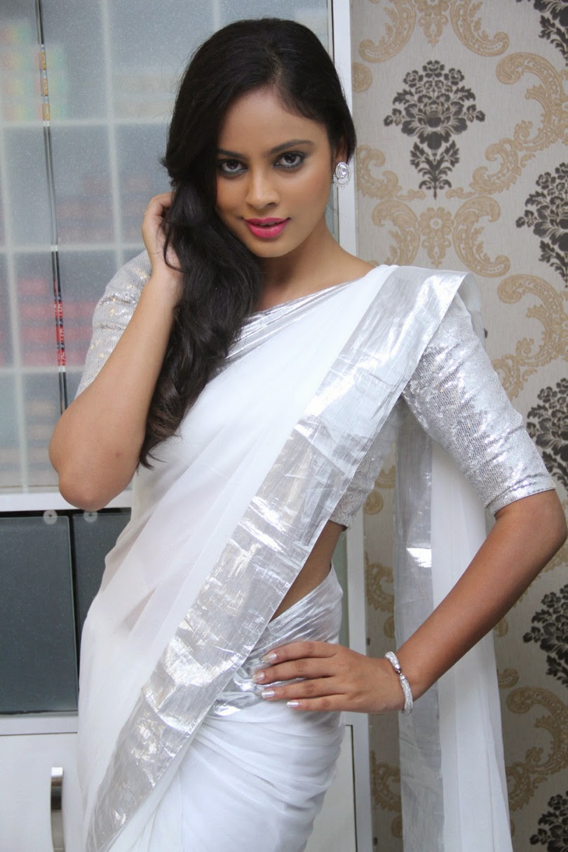 Bollywood actress saree collections nandita in white for Salon tony and guy