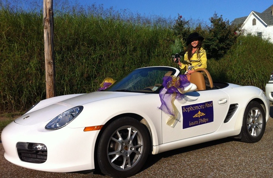 Laura In A 2007 Porsche Boxster As Sopre Maid The Homecoming Parade