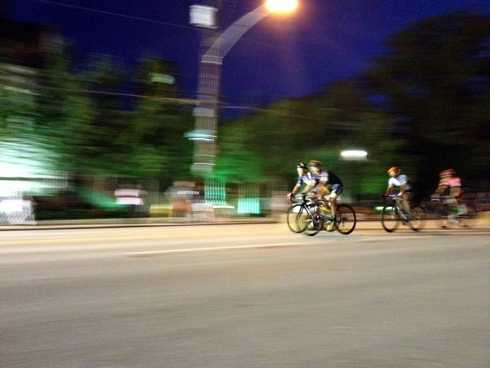 cozy birdhouse | cycling race