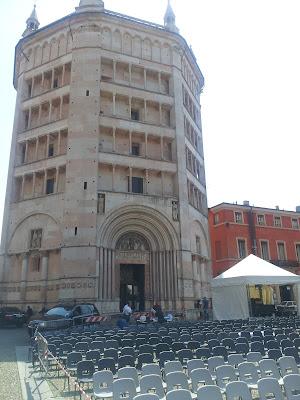 Bando RER Processi di partecipazione - Foto di Alberto Cardino: Piazza Duomo a Parma in occasione di concerti Luglio 2015
