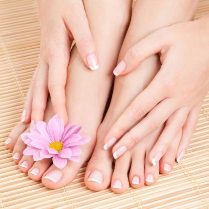 9 cách chăm sóc móng tay bị hư tổn