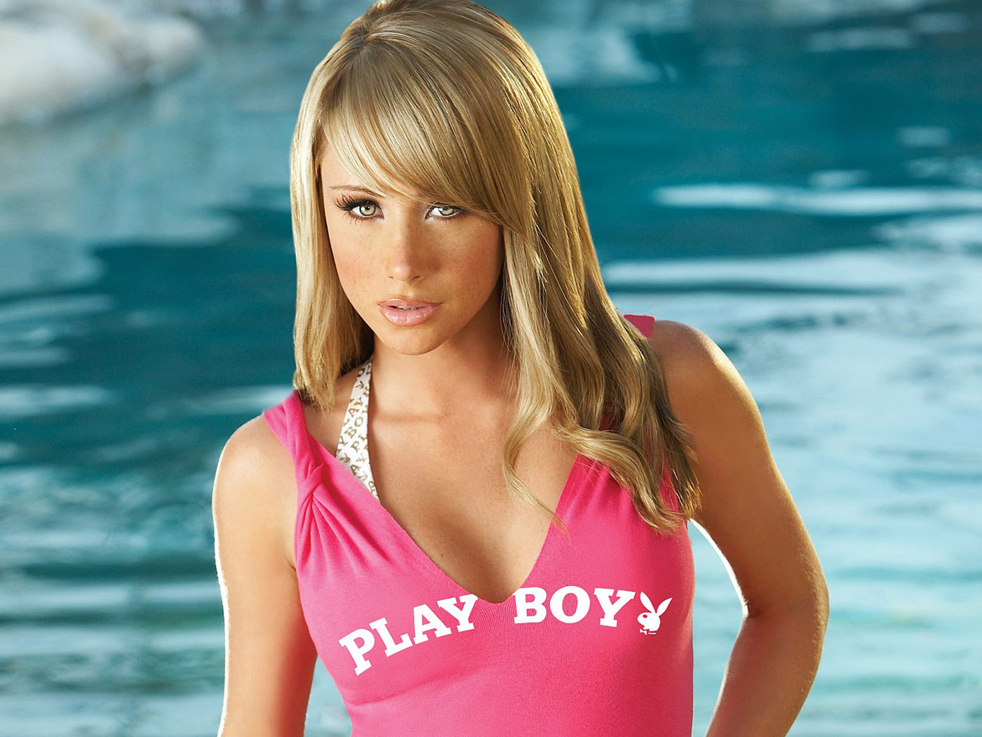 young sandra  model nude American Actress and Model Sara Jean Underwood