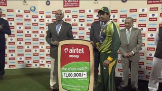 Nasir-Jamshed-Man-of-the-Match-INDIA-v-PAKISTAN-2nd-ODI-2012