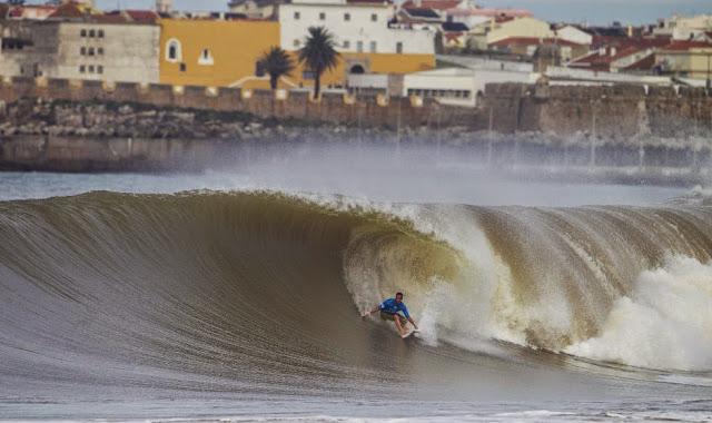 65 2014 Moche Rip Curl Pro Portugal Travis Logie Foto ASP Damien Poullenot Aquashot