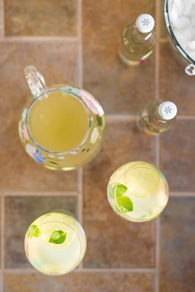 lime mint flavored lemonade, recipe, fresh lemonade, summer party drink