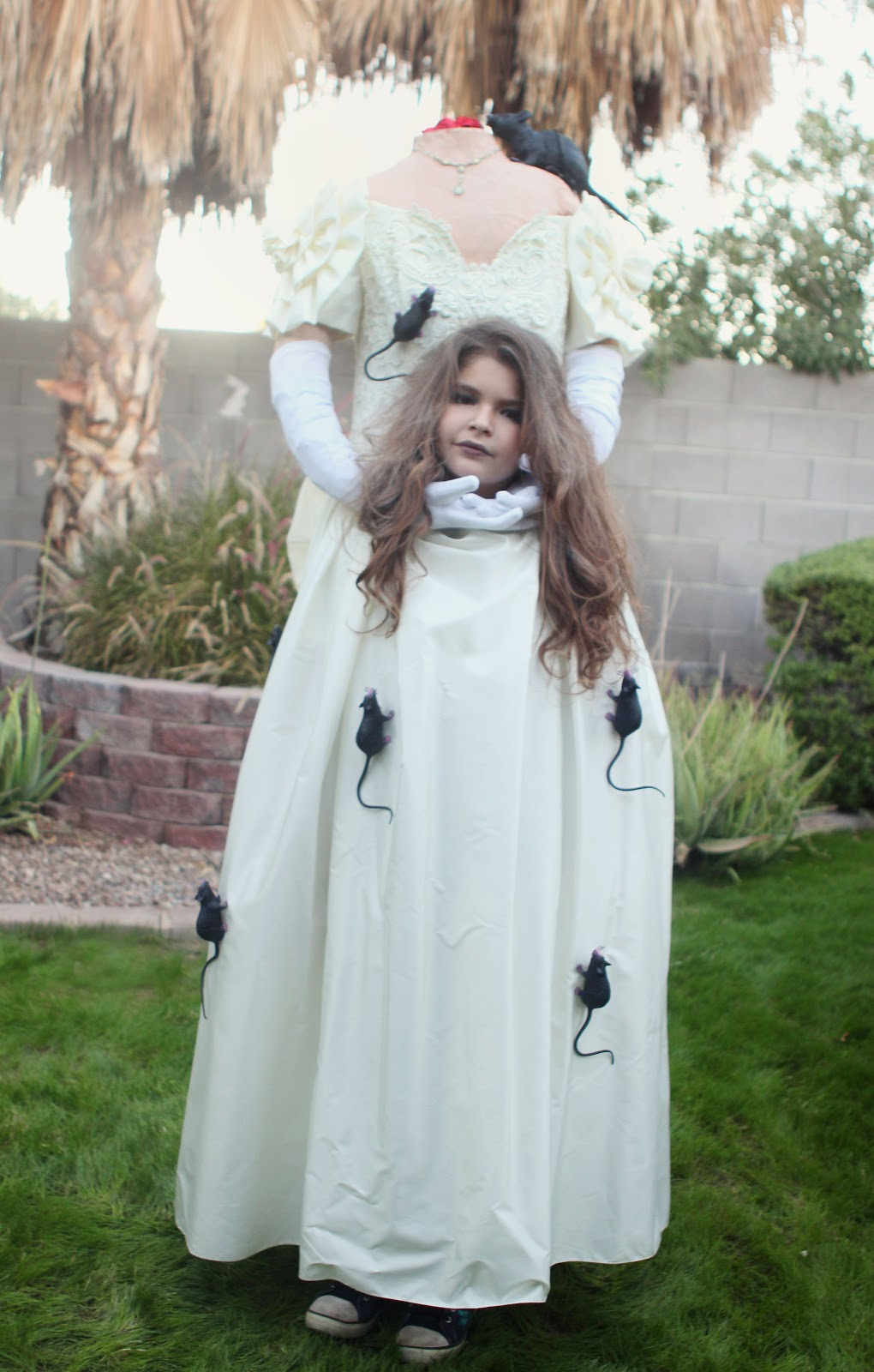 jill and the little crown: How to make a headless costume!