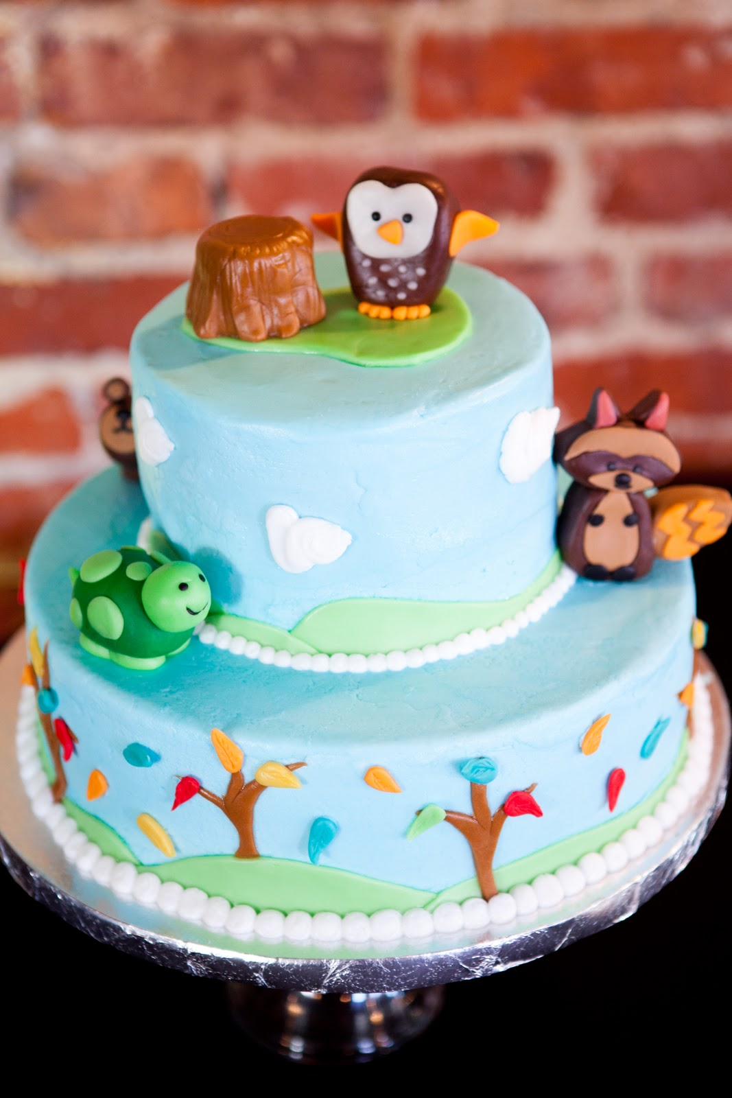 cake by cakes and other bakes out of st louis