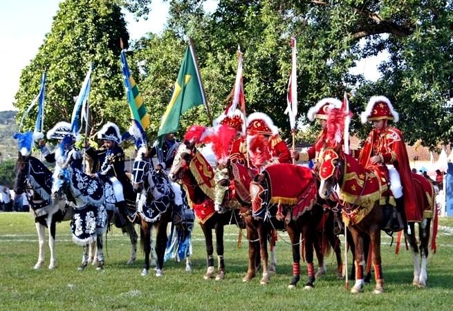 Brasil: Goiás potencia cultural e turística Cavalhada de Santa Cruz de Goiás 2016