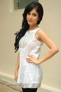 Kiss movie heroine Priya Benerjee Pictures 004.jpg