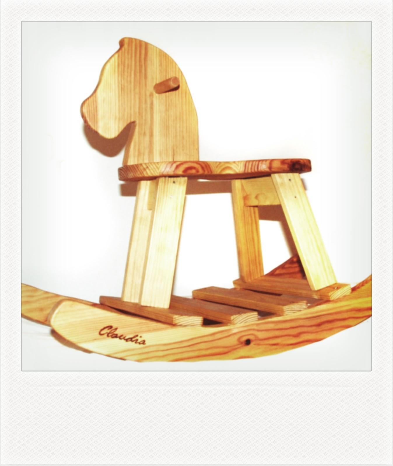 Marengo peques caballito de madera for Cosas hechas de madera