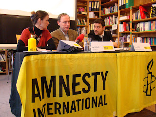 http://amnesty-luxembourg-photos.blogspot.com/2012/10/conference-de-presse-campagne-bougies.html