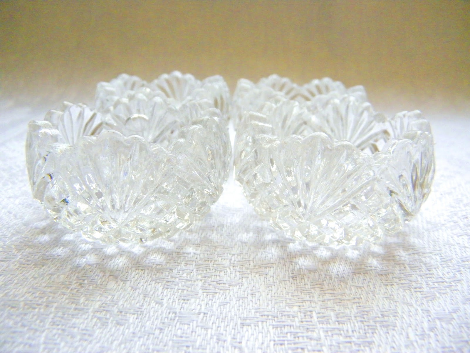 Beautiful vintage salt cellars set of 4 - These Are Inexpensive Depression Glass Cellars That Are Easily Found At Antique Stores And Online Auction Sites I Love Their Simple Faceted Design