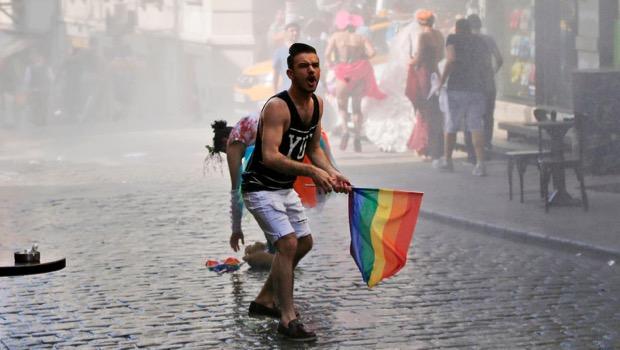 Turchia, il Gay Pride sotto attacco trova nuovi alleati