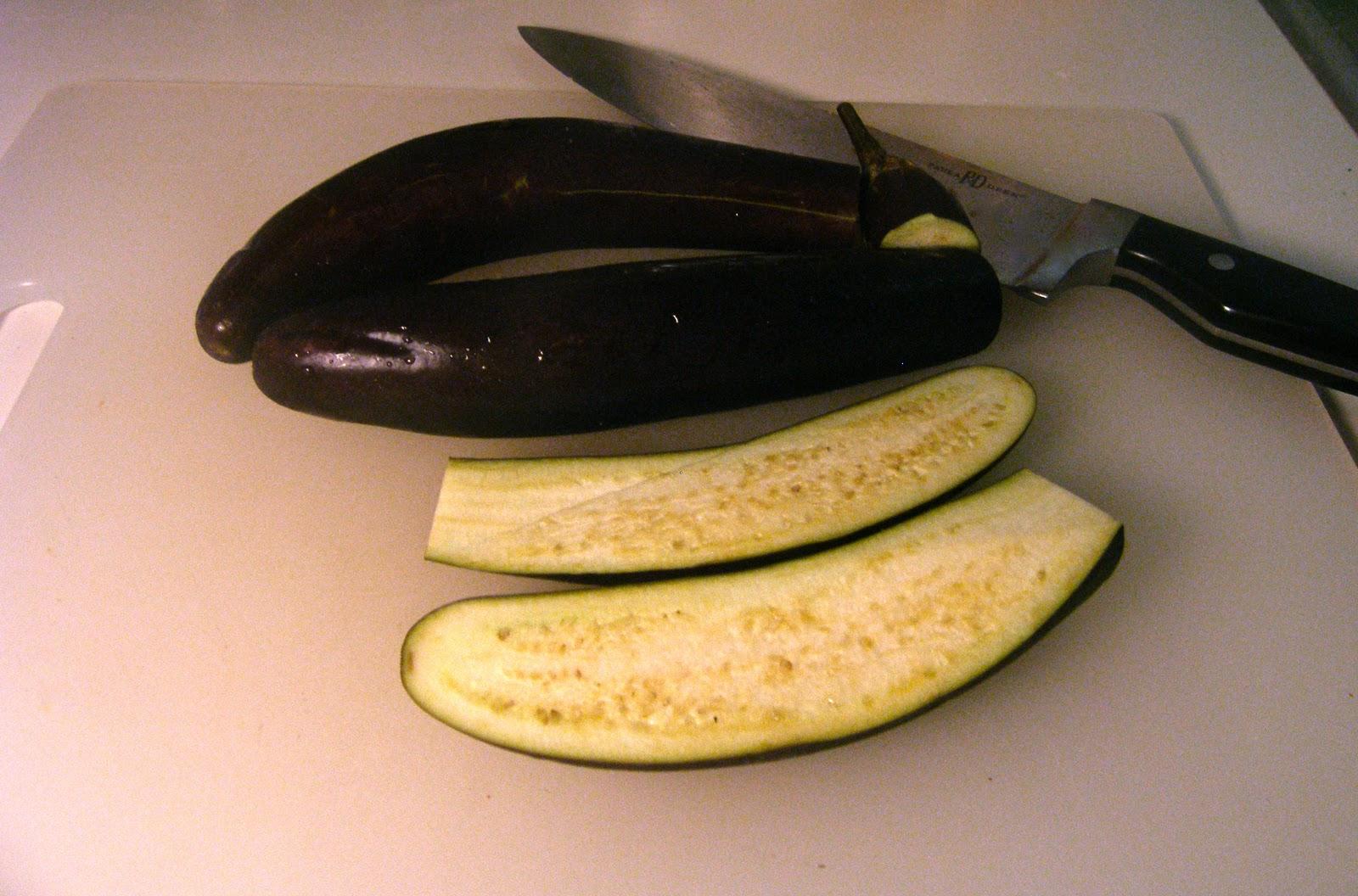 http://1.bp.blogspot.com/-WbKwMUUCR4M/TZlN_zc2PlI/AAAAAAAAABs/1g6NdNn4rLs/s1600/RBEL+eggplant.jpg