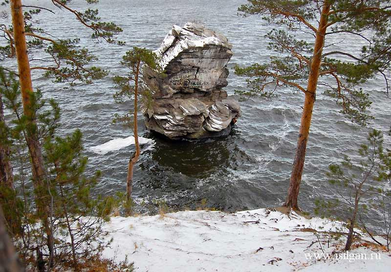 Шайтан-камень. Озеро Иткуль. Челябинская область.