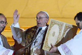 """""""Deus abençoe esse novo Papa que carrega o nome de Francisco"""", palavras de Dom Mariano Manzana"""