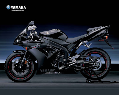 Yamaha r1 bob starr general manager national communications for yamaha