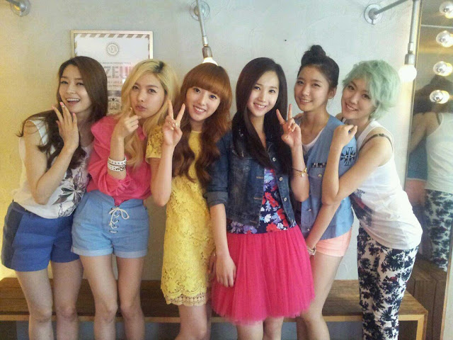 Hello venus lime to be known as that girl with the green hair