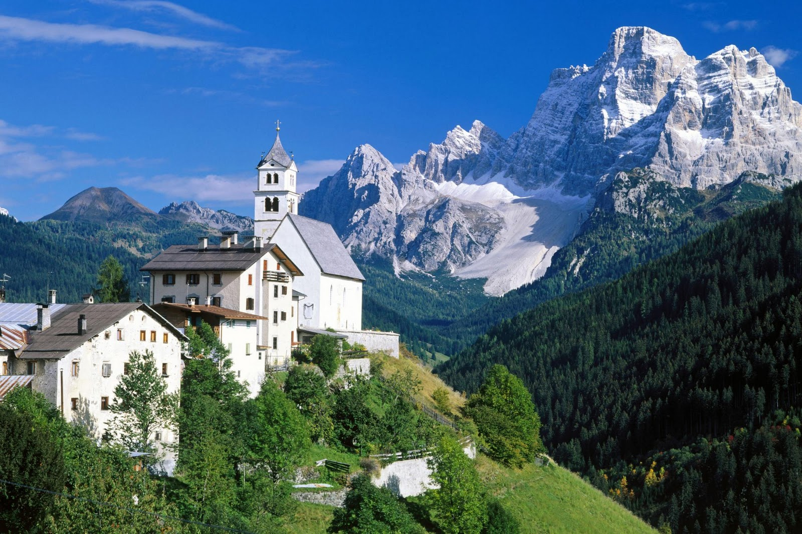 http://1.bp.blogspot.com/-WbfRbtp5aVc/TZwLPBNmKPI/AAAAAAAABNY/kaRcirQdqTE/s1600/Nice+wallpapers+the_dolomites_alps_italy-other.jpg