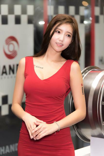 Kim Bo - Ra Seoul Auto Salon