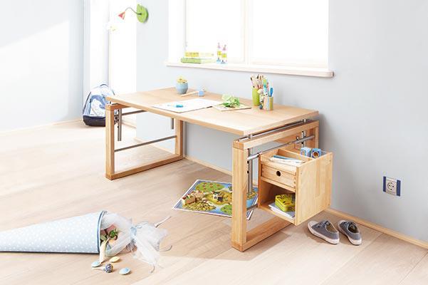 escritorios para nios que son no solo tiles sino que tambin decoran la habitacin y todo est en orden solo necesita comunicarse con ellos y el