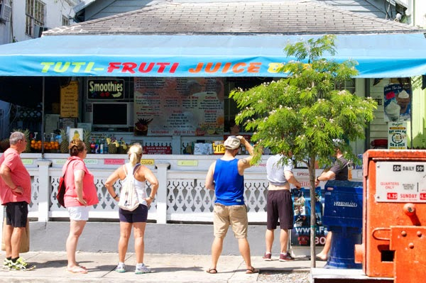 african cemetery at higgs beach, Blue Heaven, Dexter, fort taylor, key lime pie, Key West, southern most point in US, Jimmy Buffet, the best key lime pie dexter, tuti-fruti juice bar,