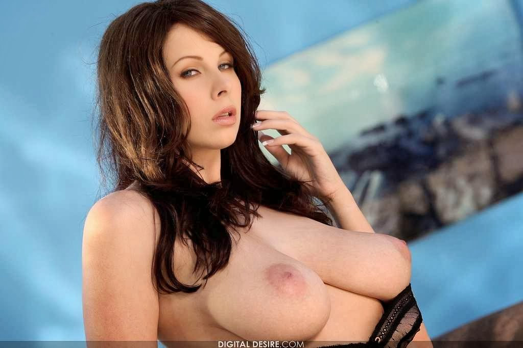 naked-gianna-michaels-anal