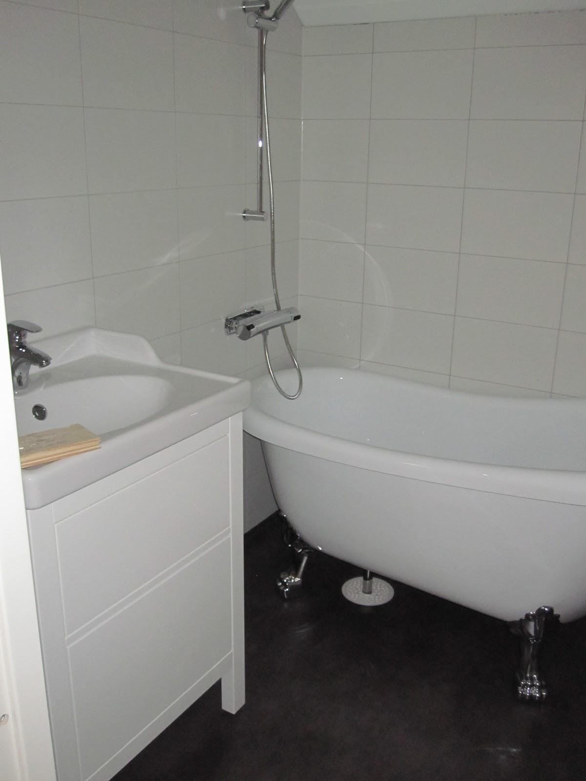 Badrum med våtrumsmatta ~ xellen.com