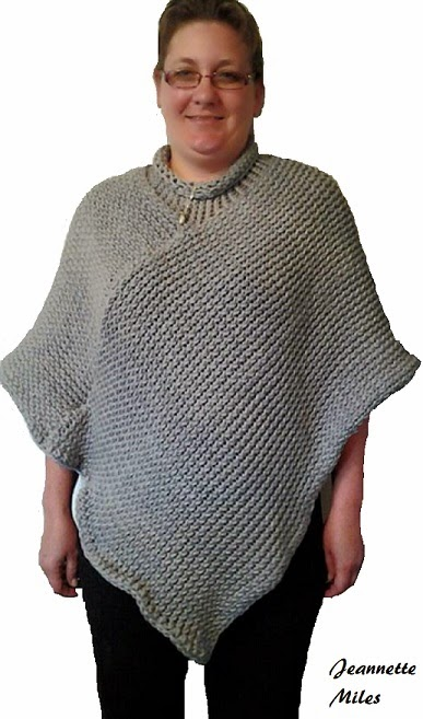 The Knifty Knitter: Knifty Knitter Poncho with Collar