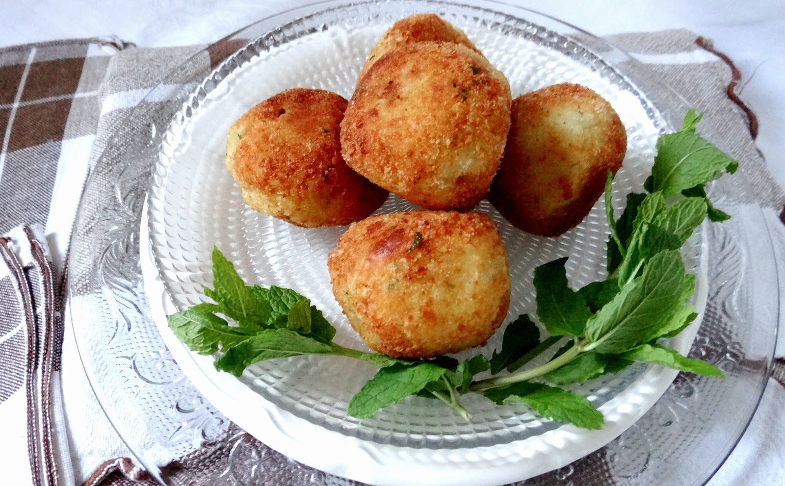 apericena, buffet, finger food, arancini di patate