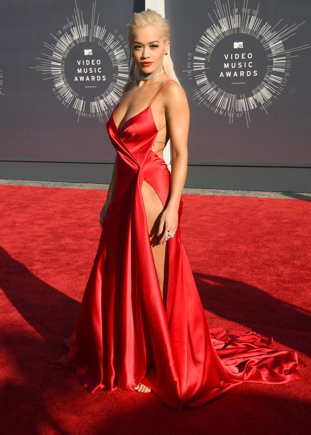 No brand panties! Rita Ora bets on sexy look and fatal to the VMA