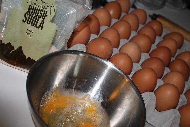 kuivat hiukset kananmuna