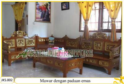 Set Kursi Tamu & Meja Sudut Ukiran Mawar dengan paduan emas