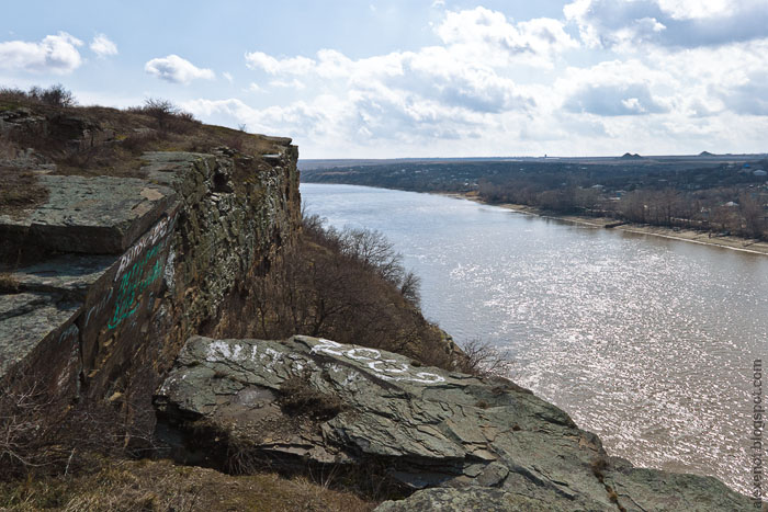 Кутовские скалы на Северском Донце
