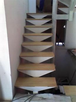 Proyectos arquitectonicos andrearquinka for Escaleras de metal y concreto