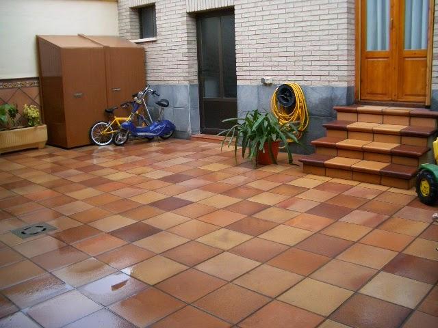 Terra antiqva gres rustico natural para terraza azulejos for Suelos de ceramica para terrazas