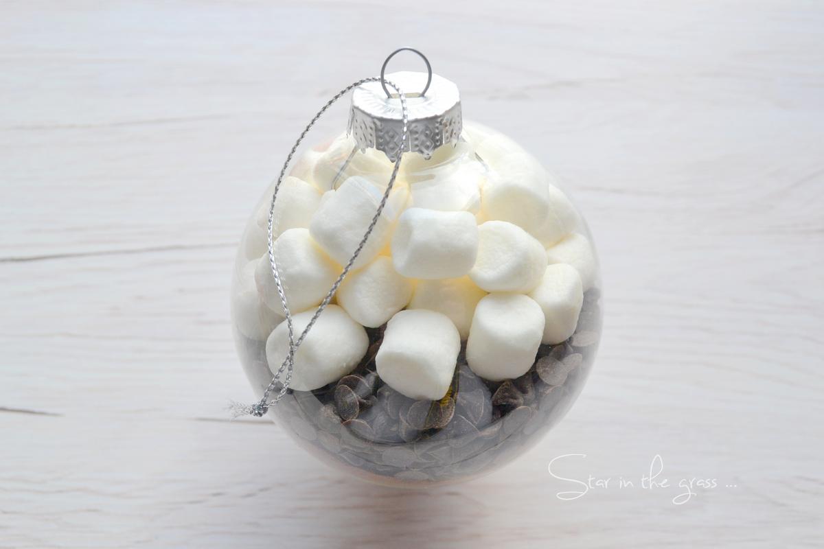 diy boule de noël préparation chocolat chaud marshmallow
