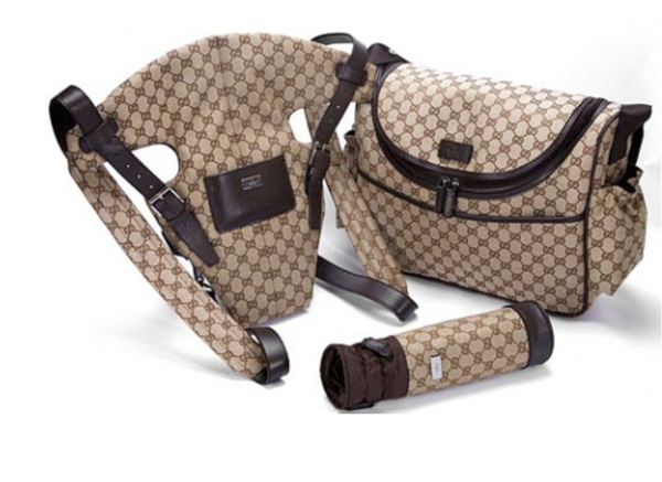 gucci BABY DIAPER BAG kanguru nursing bottle blog Mamãe de Salto ==> imagem retirada da internet