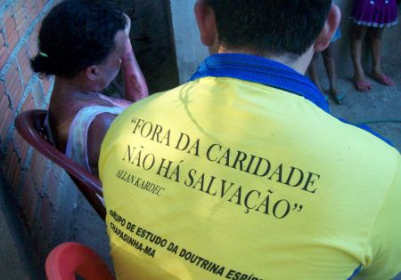 Chapadinha-MA: Vítima de incêndio recebe doações_04