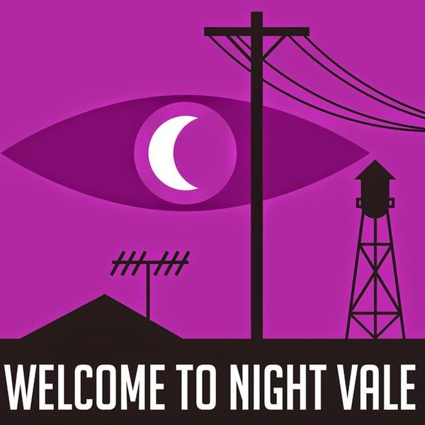 Der Mond als Pupille eines übergroßen, stilisierten Auges; in Silhouette ein Wasserturm, Überlandleitung, Radioantenne und Pyramide. ©Rob Wilson, RobWilsonWork.com