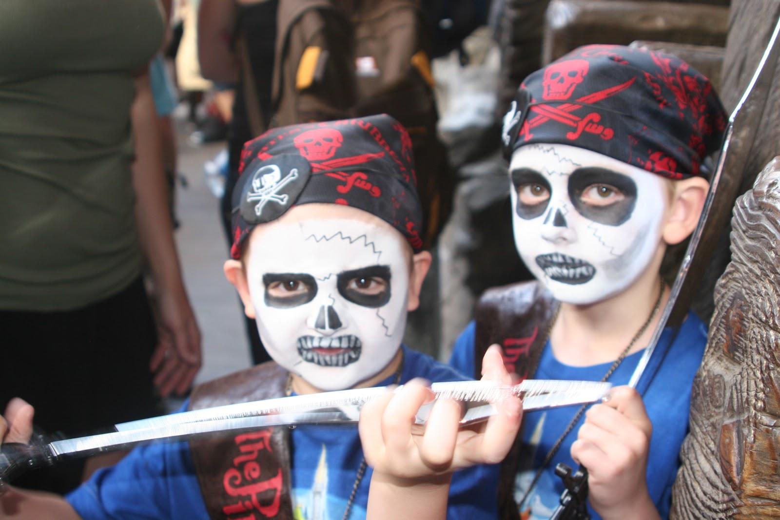 kids, pirates, pirate makeup, Pirates Leauge, Walt Disney World, family vacation
