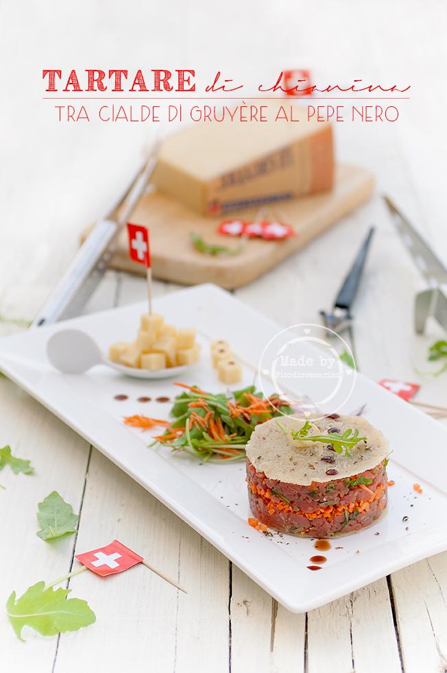 tartare di chianina tra cialde di gruyère al pepe nero e gocce di vincotto