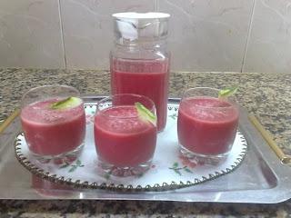 عصير الدلاح مع الفريز بارد ومنعش في حرارة الصيف بالصور