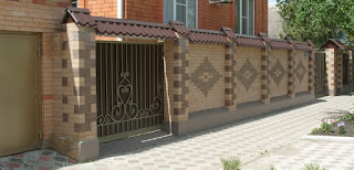Кирпичный забор. Фото 36